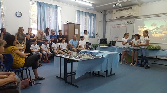 The students present their ideas to the parents