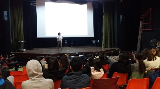 Galit Zamler at a lecture for 9th graders at the Boyar High School in Jerusalem
