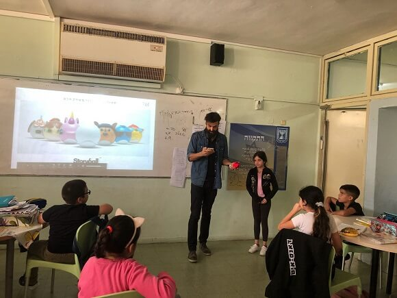 Meir Biton is a guest entrepreneur at the Yad Mordechai School in Bat Yam