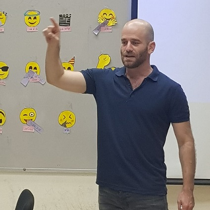 Tal Kfir is a guest on the Youth Entrepreneurship Program at the Alliance School in Haifa