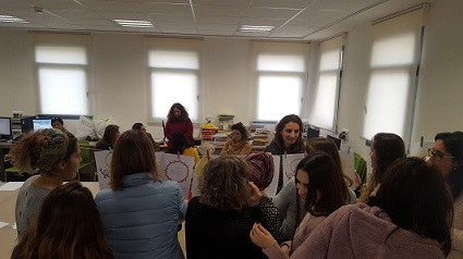 Galit Zamler in a worshop for teachers on entrepreneurial and creative thinking